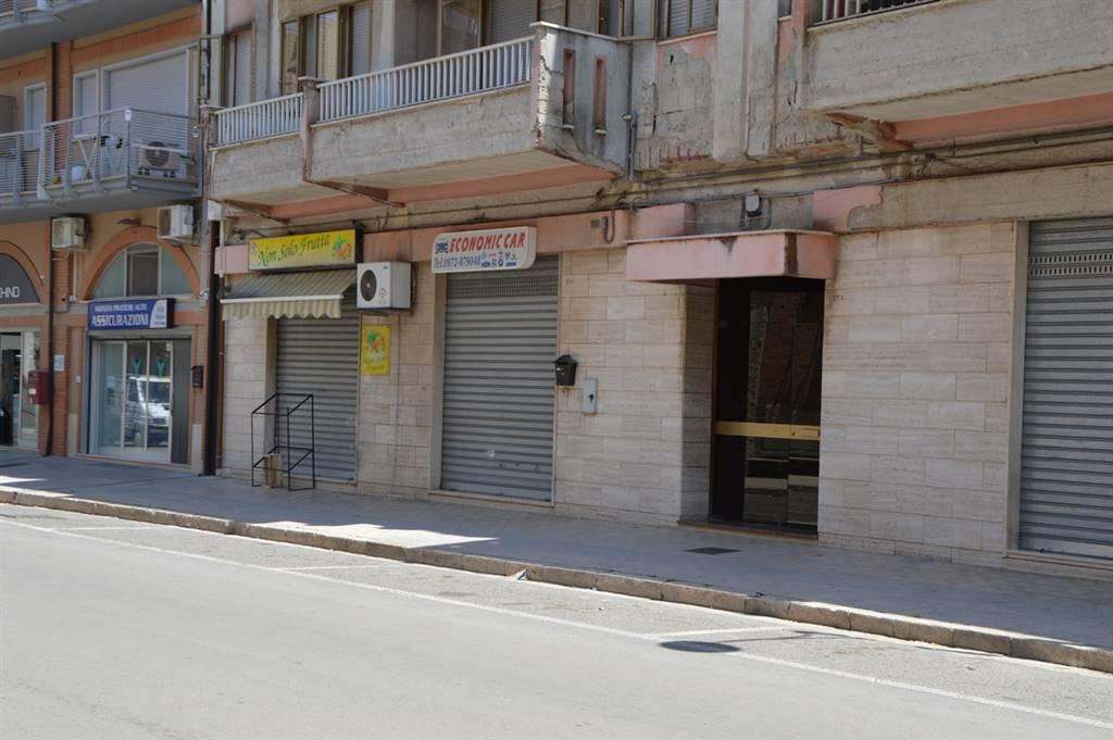 Immobile Commerciale in vendita a Lavello, 1 locali, prezzo € 73.000 | CambioCasa.it