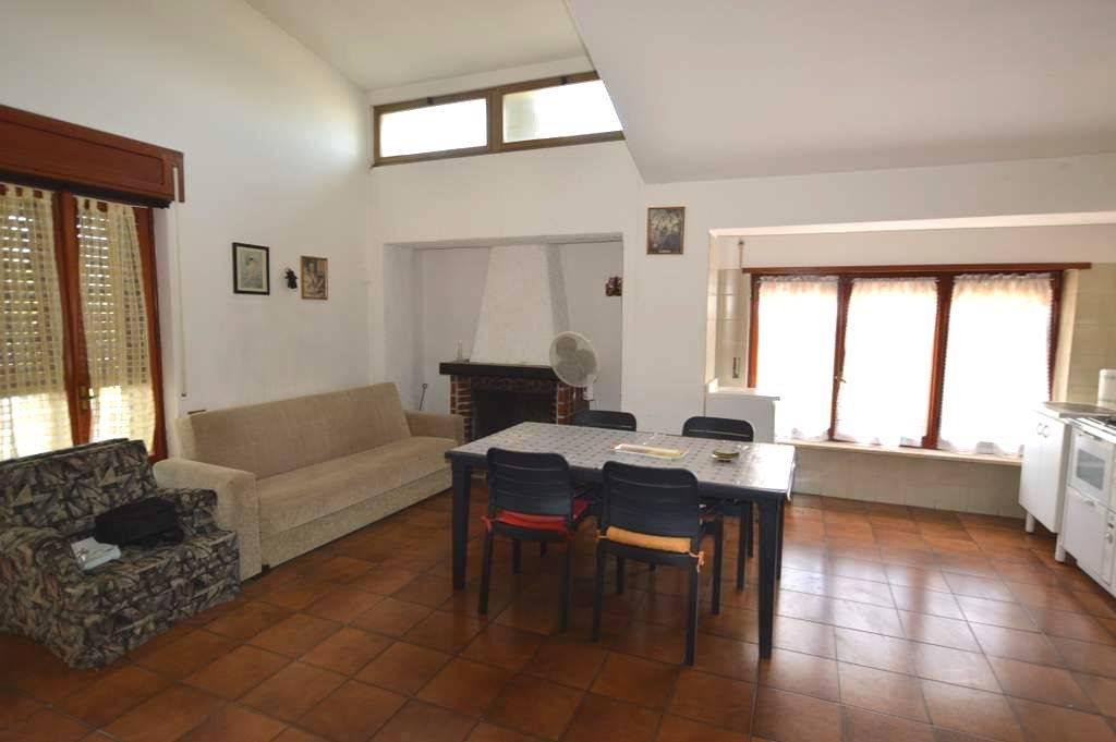Appartamento in affitto a Lavello, 4 locali, prezzo € 450 | CambioCasa.it