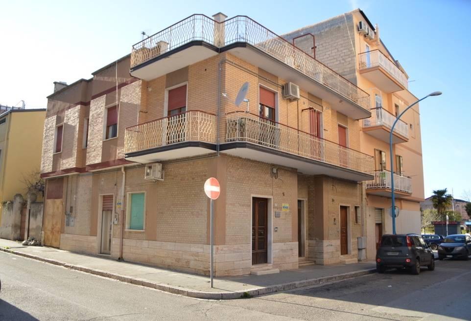 Palazzo-stabile Vendita Lavello