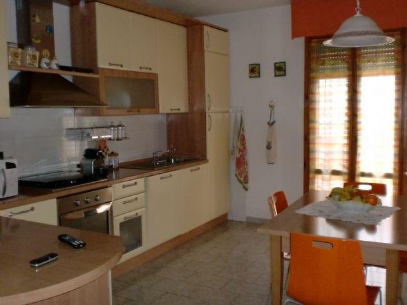 Soluzione Indipendente in vendita a Bibbona, 5 locali, zona Zona: La California, prezzo € 250.000 | Cambio Casa.it