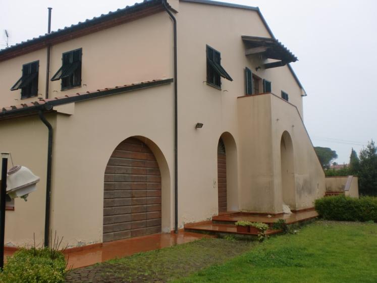 Rustico / Casale in vendita a Cecina, 8 locali, Trattative riservate | Cambio Casa.it