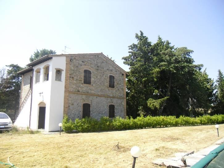 Rustico / Casale in vendita a Santa Luce, 8 locali, prezzo € 1.200.000 | CambioCasa.it