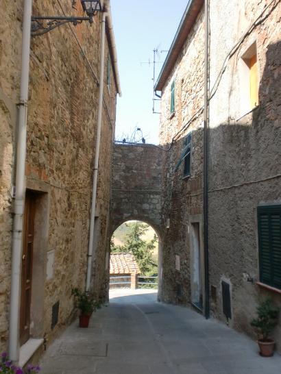 Appartamento in vendita a Monteverdi Marittimo, 4 locali, zona Zona: Canneto, prezzo € 65.000 | CambioCasa.it