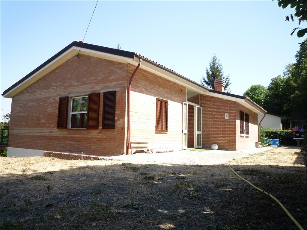 Soluzione Indipendente in vendita a Sassetta, 18 locali, prezzo € 225.000 | Cambio Casa.it