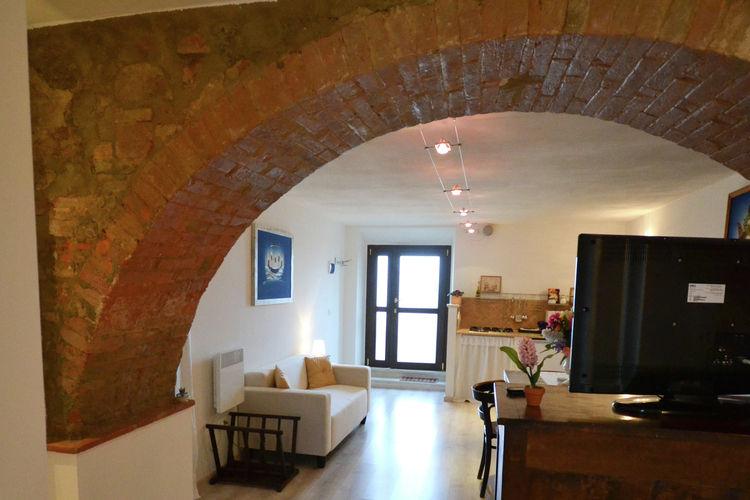 Soluzione Indipendente in vendita a Guardistallo, 6 locali, prezzo € 400.000 | Cambio Casa.it