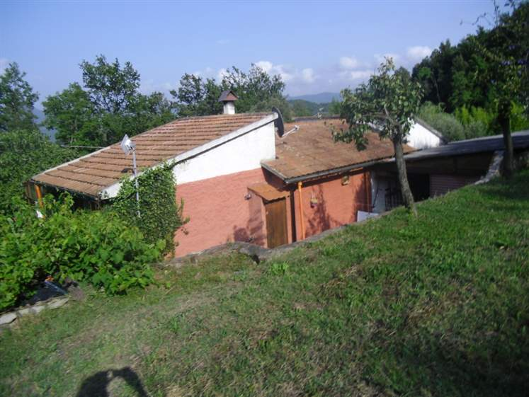 Villa in vendita a Bibbona, 5 locali, prezzo € 150.000 | Cambio Casa.it