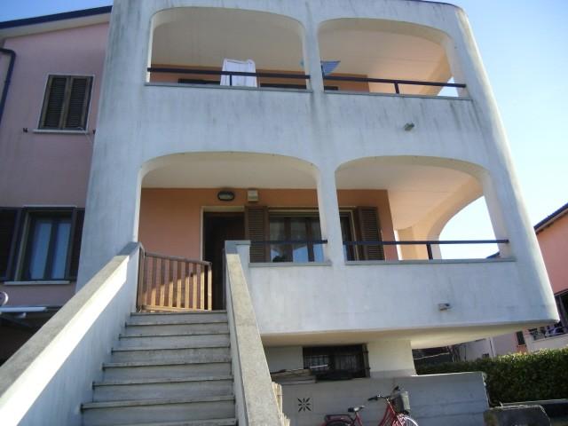 Soluzione Indipendente in vendita a Bibbona, 6 locali, prezzo € 220.000 | Cambio Casa.it