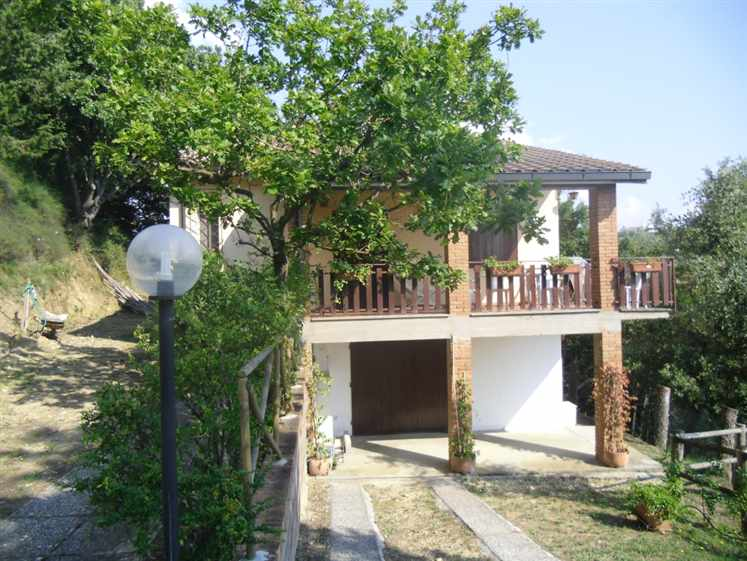 Villa in vendita a Guardistallo, 7 locali, prezzo € 590.000 | CambioCasa.it