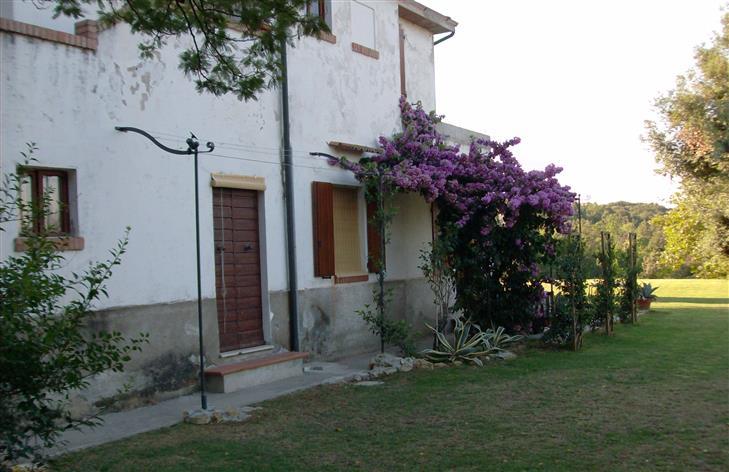 Rustico / Casale in vendita a Castagneto Carducci, 8 locali, prezzo € 350.000 | Cambio Casa.it