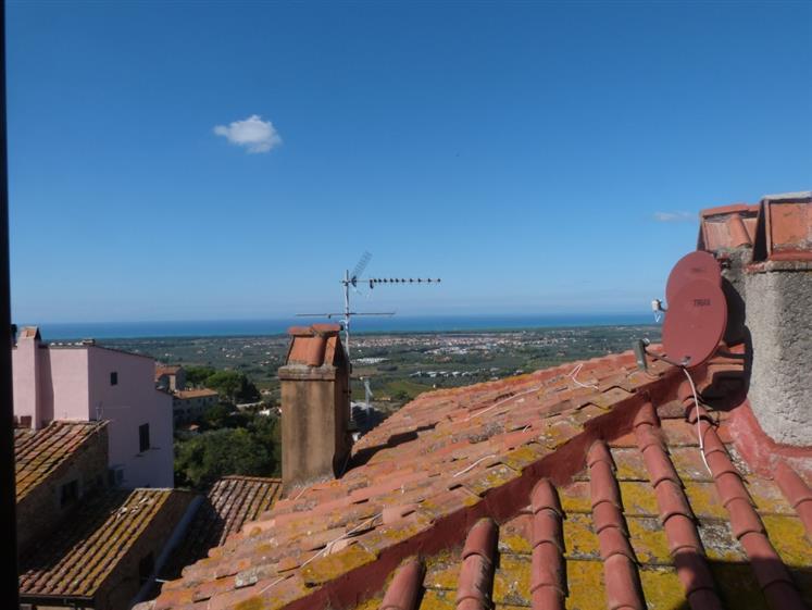 Soluzione Indipendente in vendita a Castagneto Carducci, 3 locali, prezzo € 150.000   Cambio Casa.it