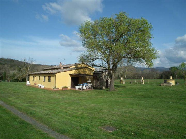 Rustico / Casale in vendita a Bibbona, 6 locali, prezzo € 700.000 | CambioCasa.it