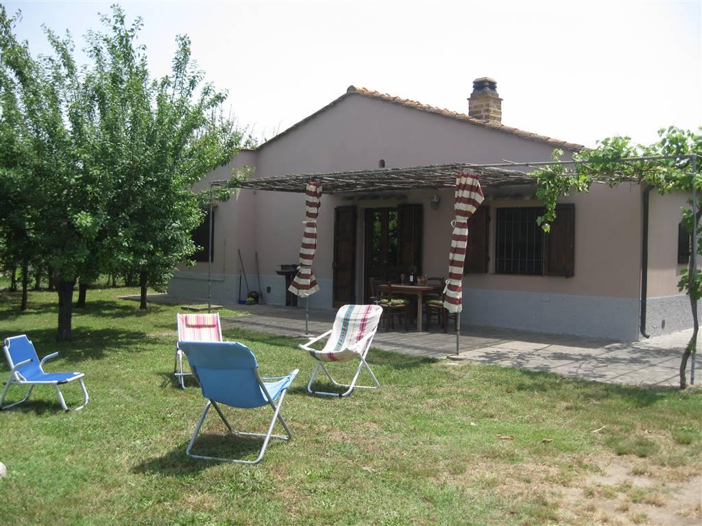 Rustico / Casale in vendita a Castagneto Carducci, 4 locali, zona Zona: Donoratico, prezzo € 300.000 | Cambio Casa.it