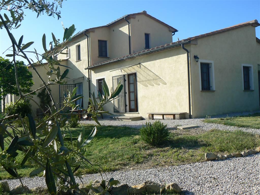 Villa in vendita a Monteverdi Marittimo, 12 locali, prezzo € 600.000 | Cambio Casa.it