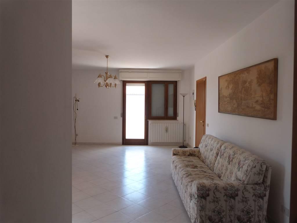 Appartamento in vendita a Castagneto Carducci, 5 locali, zona Zona: Donoratico, prezzo € 219.000 | CambioCasa.it