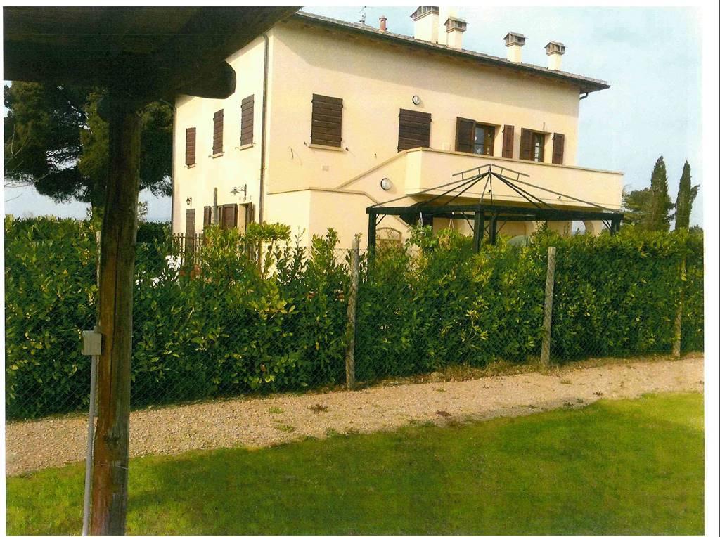 Rustico / Casale in vendita a Bibbona, 3 locali, zona Zona: Marina di Bibbona, prezzo € 185.000 | CambioCasa.it