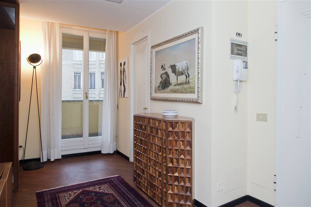 Appartamento in affitto a milano via dell 39 unione 8 for Appartamento design affitto milano