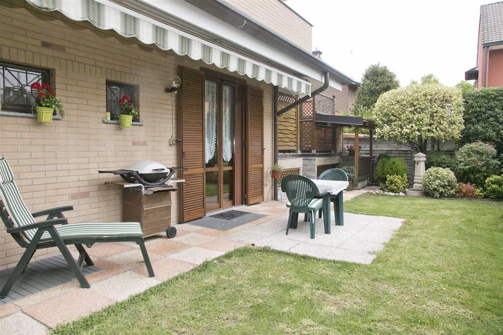 Villa in Vendita a Arese: 5 locali, 240 mq