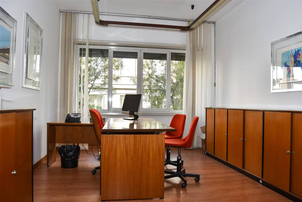 Ufficio studio in vendita a vercelli via cesare balbo 5 for Ufficio decoro urbano catania
