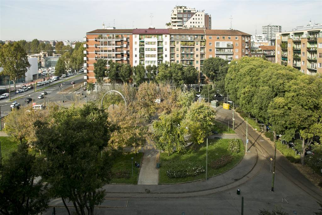 Appartamento in Vendita a Milano: 5 locali, 196 mq