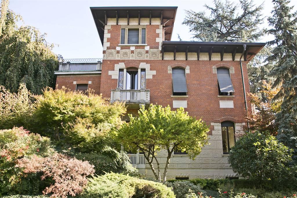 Villa in Vendita a Cusano Milanino: 5 locali, 553 mq