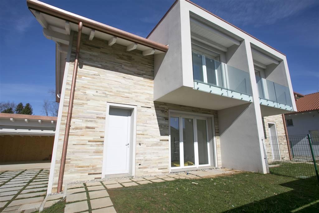 Villa in Vendita a Tradate: 4 locali, 192 mq