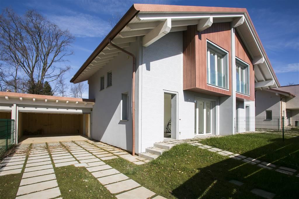 Villa in Vendita a Tradate: 4 locali, 188 mq