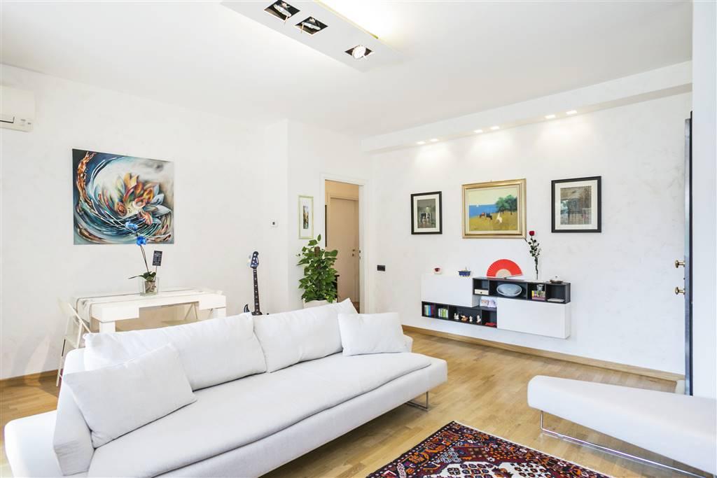 Appartamento in Vendita a Arese: 3 locali, 100 mq