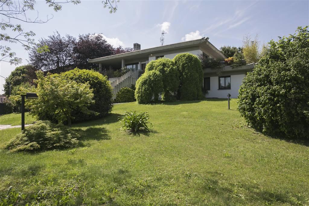 Villa in Vendita a Cornaredo: 5 locali, 530 mq