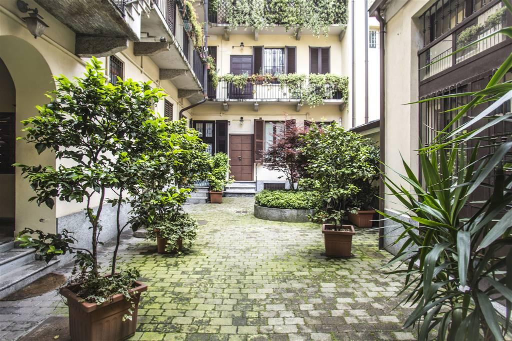 Appartamento in Vendita a Milano:  2 locali, 48 mq  - Foto 1