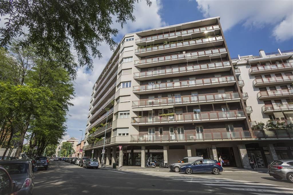 Appartamento in Vendita a Milano: 5 locali, 185 mq