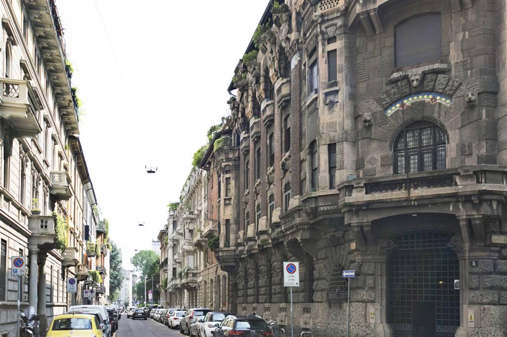 Appartamento in Vendita a Milano 01 Centro storico (Cerchia dei Navigli): 3 locali, 213 mq