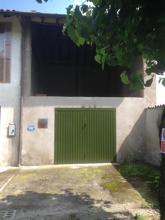 Rustico / Casale in vendita a Arcore, 3 locali, zona Zona: Bernate, prezzo € 45.000 | Cambio Casa.it