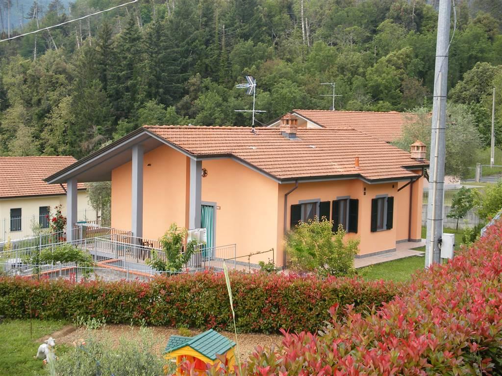 Villa in vendita a Pignone, 5 locali, prezzo € 299.000 | CambioCasa.it