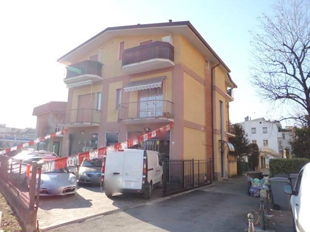 Appartamento in affitto a Lesmo, 2 locali, zona Zona: Peregallo, prezzo € 390 | Cambio Casa.it