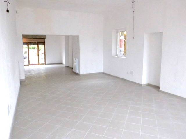 Negozio / Locale in affitto a Arcore, 1 locali, Trattative riservate | Cambio Casa.it