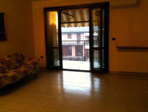 Appartamento in vendita a Castano Primo, 3 locali, prezzo € 125.000 | Cambio Casa.it