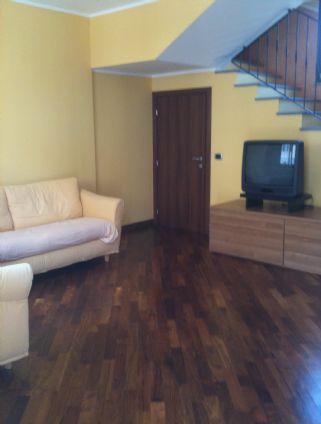 Villa in vendita a Dairago, 6 locali, prezzo € 295.000 | Cambio Casa.it