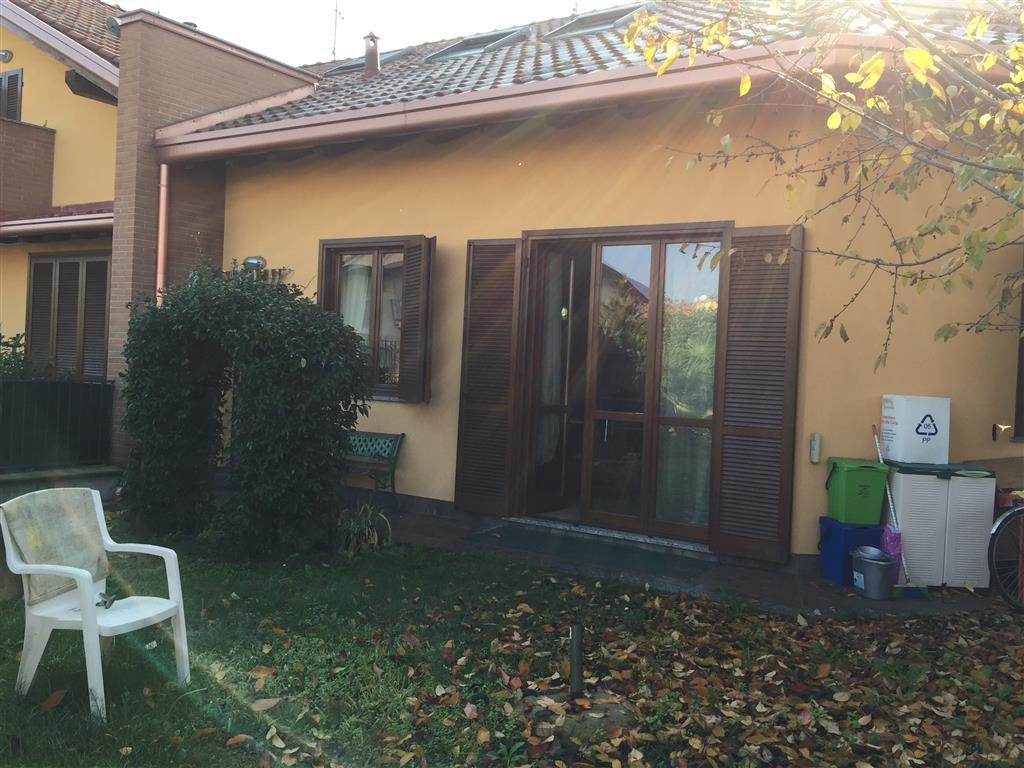Villa in vendita a Casorezzo, 4 locali, prezzo € 230.000 | Cambio Casa.it