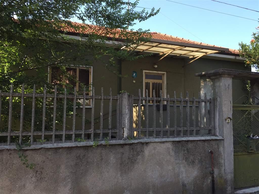Villa in vendita a Arconate, 3 locali, prezzo € 180.000   Cambio Casa.it