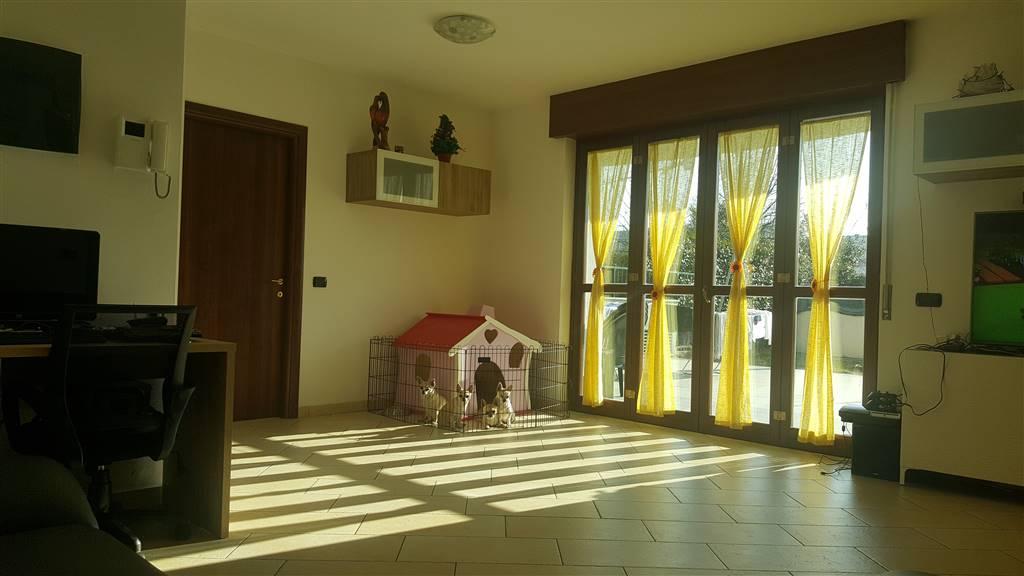 Appartamento in vendita a Legnano, 3 locali, prezzo € 205.000 | CambioCasa.it