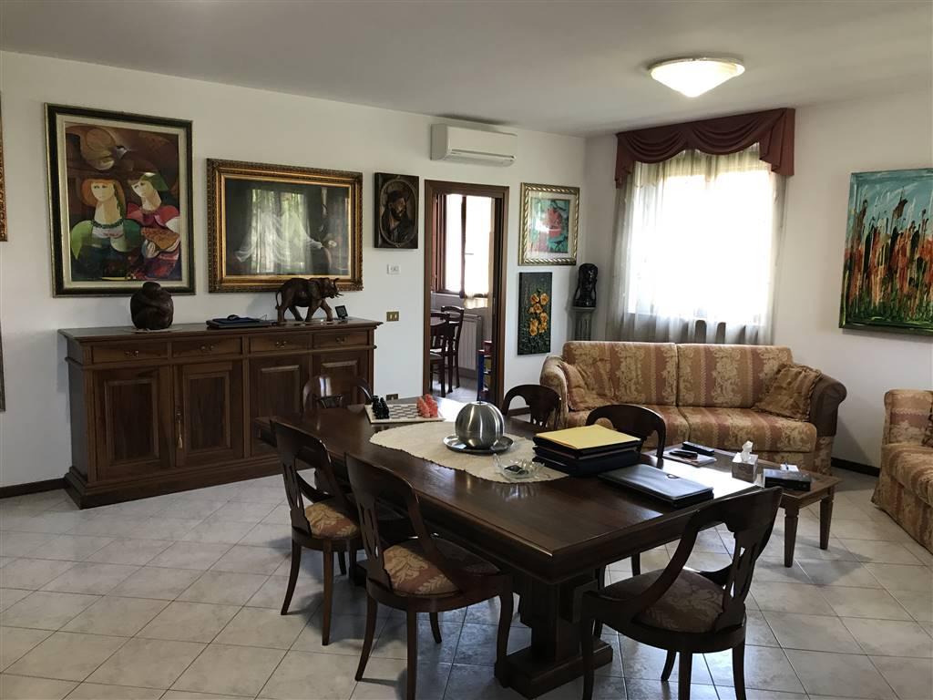 Villa in vendita a Arconate, 4 locali, prezzo € 295.000 | Cambio Casa.it
