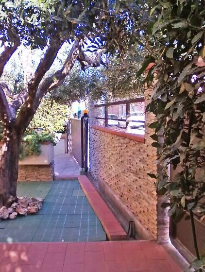 Villa in vendita a Agliana, 5 locali, zona Zona: San Niccolò, prezzo € 395.000 | Cambio Casa.it