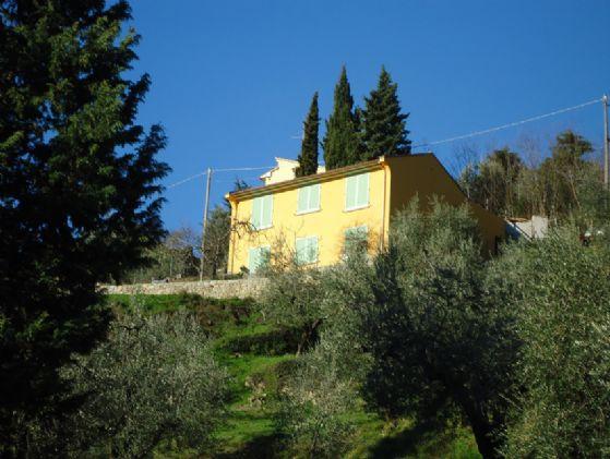 Villa in vendita a Montale, 5 locali, zona Zona: Tobbiana, prezzo € 410.000 | Cambio Casa.it