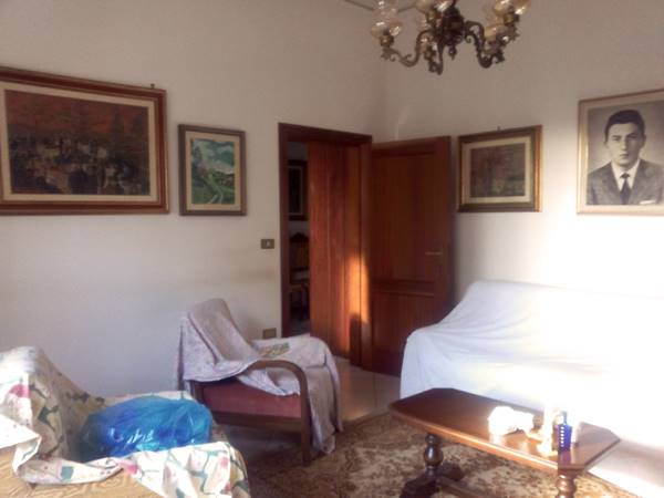 Soluzione Indipendente in vendita a Agliana, 6 locali, prezzo € 240.000 | Cambio Casa.it