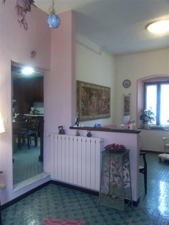 Soluzione Indipendente in vendita a Agliana, 5 locali, zona Zona: La Catena, prezzo € 120.000 | Cambio Casa.it