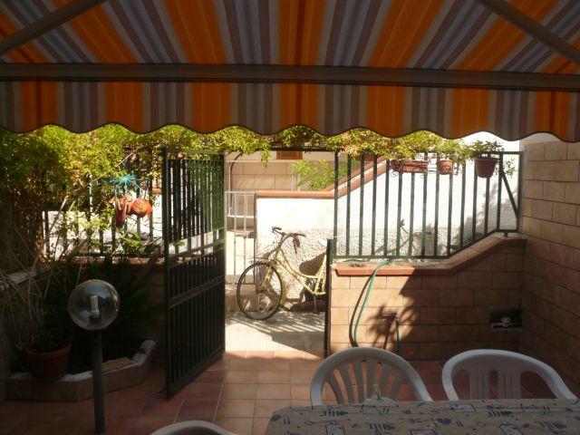 Soluzione Indipendente in vendita a Maruggio, 3 locali, zona Località: CAMPOMARINO, prezzo € 65.000   CambioCasa.it