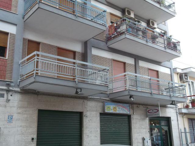 Appartamento in affitto a Adelfia, 5 locali, zona Zona: Canneto, prezzo € 450 | CambioCasa.it