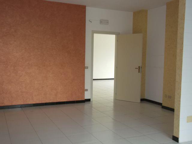 Appartamento in vendita a Turi, 3 locali, prezzo € 85.000 | CambioCasa.it