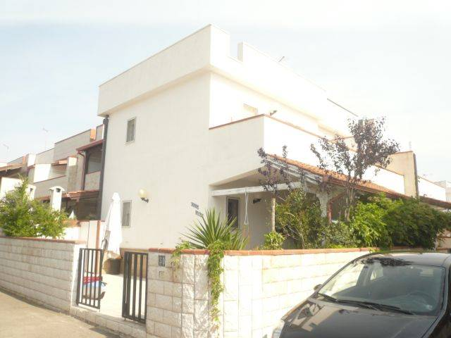 Villa in vendita a Manduria, 3 locali, zona Località: SAN PIETRO, prezzo € 95.000 | Cambio Casa.it