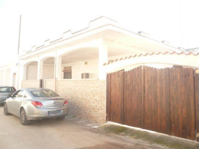 Villa in vendita a Manduria, 5 locali, zona Località: SAN PIETRO, prezzo € 110.000 | CambioCasa.it